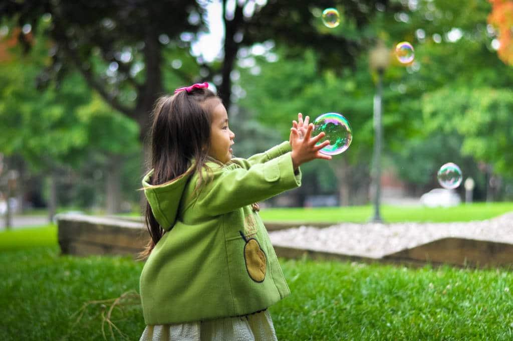 Pour que mes (petits-) enfants aient confiance en eux, comment m'y prendre ?